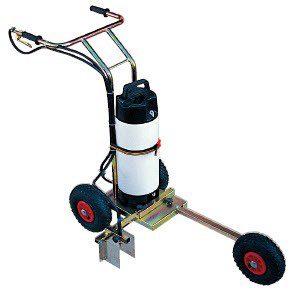Carucior cu pompa pentru trasat teren